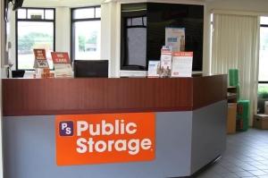 Image of Public Storage - Lewisville - 601 North Stemmons Freeway Facility on 601 North Stemmons Freeway  in Lewisville, TX - View 3