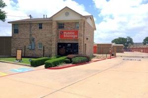 Image of Public Storage - Round Rock - 1517 Round Rock Ave Facility at 1517 Round Rock Ave  Round Rock, TX