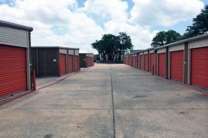 Image of Public Storage - Round Rock - 1517 Round Rock Ave Facility on 1517 Round Rock Ave  in Round Rock, TX - View 2