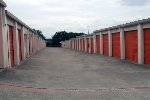 Image of Public Storage - Arlington - 3216 E Pioneer Pkwy Facility on 3216 E Pioneer Pkwy  in Arlington, TX - View 2