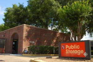 Image of Public Storage - Sugar Land - 15220 Lexington Blvd Facility at 15220 Lexington Boulevard  Sugar Land, TX
