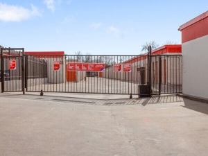 Image of Public Storage - Garland - 1822 West Kingsley Road Facility at 1822 West Kingsley Road  Garland, TX