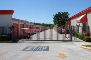 Public Storage - San Antonio - 16639 San Pedro Ave - Photo 4