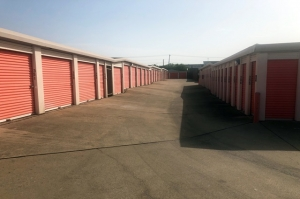 Image of Public Storage - Mesquite - 1501 Oates Drive Facility on 1501 Oates Drive  in Mesquite, TX - View 2