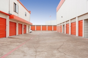 Image of Public Storage - Dallas - 9110 Markville Drive Facility on 9110 Markville Drive  in Dallas, TX - View 2