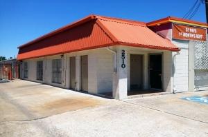 Image of Public Storage - Houston - 2510 Cypress Creek Pkwy Facility at 2510 Cypress Creek Pkwy  Houston, TX