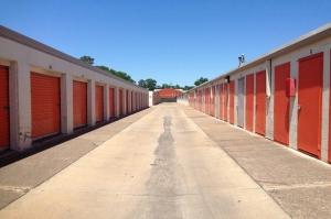 Image of Public Storage - Houston - 2510 Cypress Creek Pkwy Facility on 2510 Cypress Creek Pkwy  in Houston, TX - View 2
