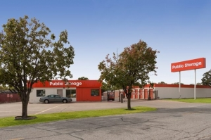 Image of Public Storage - Irving - 1520 W Irving Blvd Facility at 1520 W Irving Blvd  Irving, TX