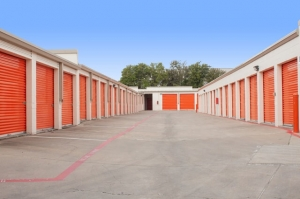 Image of Public Storage - Dallas - 2420 N Haskell Ave Facility on 2420 N Haskell Ave  in Dallas, TX - View 2