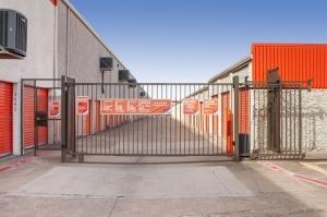 Image of Public Storage - Dallas - 12075 Denton Drive Facility on 12075 Denton Drive  in Dallas, TX - View 4