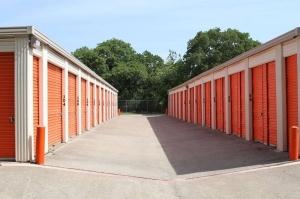 Image of Public Storage - Irving - 100 N MacArthur Blvd Facility on 100 N MacArthur Blvd  in Irving, TX - View 2
