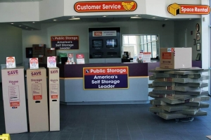 Image of Public Storage - Dallas - 11216 E Northwest Hwy Facility on 11216 E Northwest Hwy  in Dallas, TX - View 3