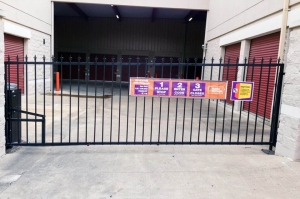 Image of Public Storage - Austin - 6726 Bee Cave Rd Facility on 6726 Bee Cave Rd  in Austin, TX - View 4