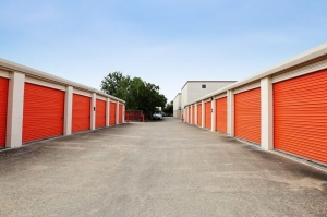 Picture of Public Storage - Houston - 1419 W Gray St