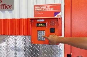 Public Storage - Dallas - 4721 Ross Ave - Photo 5