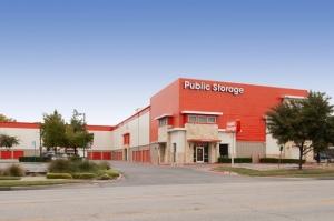 Public Storage - Dallas - 4721 Ross Ave - Photo 1