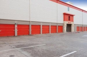 Picture 1 of Public Storage - Dallas - 4721 Ross Ave - FindStorageFast.com