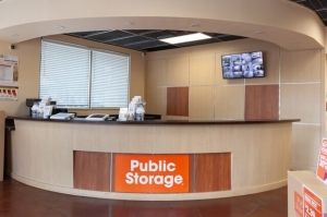 Picture 2 of Public Storage - Dallas - 4721 Ross Ave - FindStorageFast.com