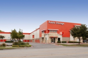 Image of Public Storage - Dallas - 4721 Ross Ave Facility at 4721 Ross Ave  Dallas, TX