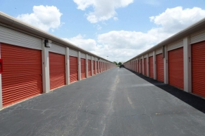 Picture of Public Storage - Houston - 14050 NW Freeway
