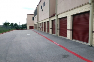 Image of Public Storage - Bee Cave - 3911 Ranch Road 620 S Facility on 3911 Ranch Road 620 S  in Bee Cave, TX - View 2