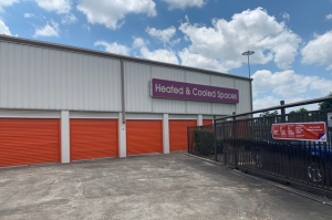 Image of Public Storage - Houston - 12435 I-10 E Fwy Facility on 12435 I-10 E Fwy  in Houston, TX - View 2