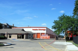 Image of Public Storage - Dallas - 2320 N Central Expy Facility on 2320 N Central Expy  in Dallas, TX