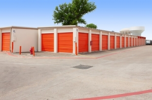 Image of Public Storage - Garland - 406 S Plano Road Facility on 406 S Plano Road  in Garland, TX - View 2