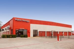 Image of Public Storage - Richardson - 500 E Arapaho Road Facility at 500 E Arapaho Road  Richardson, TX