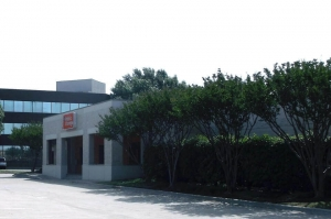 Image of Public Storage - Arlington - 502 E Lamar Blvd Facility at 502 E Lamar Blvd  Arlington, TX