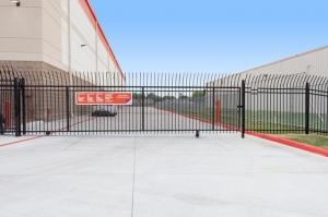 Image of Public Storage - Pasadena - 2700 Shaver Street Facility on 2700 Shaver Street  in Pasadena, TX - View 4