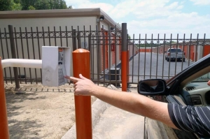 Public Storage - San Antonio - 2550 Thousand Oaks Dr - Photo 5