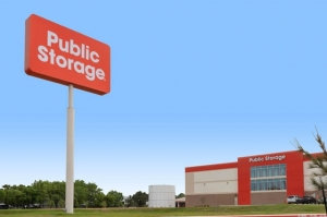 Image of Public Storage - Houston - 9811 North Freeway Facility at 9811 North Freeway  Houston, TX