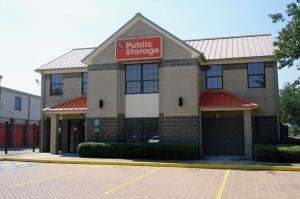 Image of Public Storage - Houston - 2900 Woodland Park Drive Facility at 2900 Woodland Park Drive  Houston, TX
