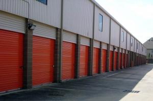 Image of Public Storage - Houston - 2900 Woodland Park Drive Facility on 2900 Woodland Park Drive  in Houston, TX - View 2