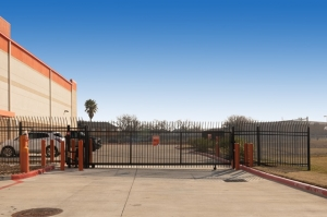 Image of Public Storage - Pasadena - 1507 East Beltway 8 S Facility on 1507 East Beltway 8 S  in Pasadena, TX - View 4