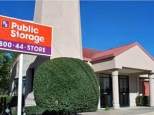 Image of Public Storage - Dallas - 7568 Greenville Ave Facility at 7568 Greenville Ave  Dallas, TX