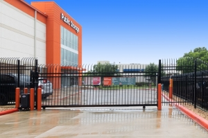 Image of Public Storage - Houston - 8555 Larkwood Drive Facility on 8555 Larkwood Drive  in Houston, TX - View 4