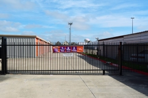Image of Public Storage - Houston - 7255 Highway 6 South Facility on 7255 Highway 6 South  in Houston, TX - View 4