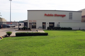 Public Storage - Conroe - 1450 I 45 South - Photo 1