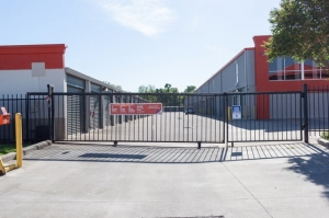 Picture of Public Storage - Houston - 707 Maxey Rd