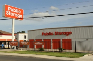 Image of Public Storage - San Antonio - 1938 NE Loop 410 Facility at 1938 NE Loop 410  San Antonio, TX