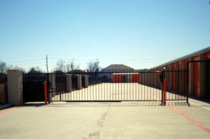 Image of Public Storage - Manvel - 11222 Magnolia Pkwy Facility on 11222 Magnolia Pkwy  in Manvel, TX - View 4