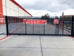 Picture of Public Storage - Houston - 5200 Gulfton St
