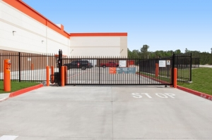 Image of Public Storage - Kingwood - 755 Northpark Dr Facility on 755 Northpark Dr  in Kingwood, TX - View 4