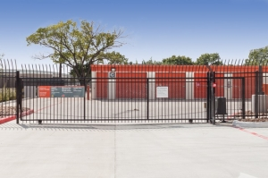 Image of Public Storage - Houston - 10200 S Main St Facility on 10200 S Main St  in Houston, TX - View 4