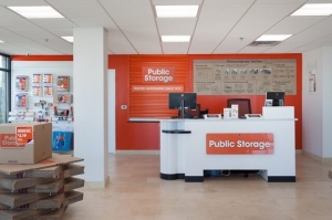 Image of Public Storage - Austin - 2401 E Ben White Blvd Facility on 2401 E Ben White Blvd  in Austin, TX - View 3