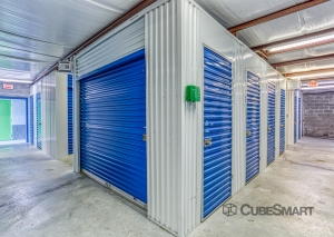 CubeSmart Self Storage - Tampa - 8119 Anderson Rd. - Photo 7