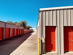 Image of Greenville Lock Storage - North Facility on 221 West Main Street  in Taylors, SC - View 4