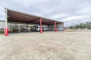 Image of Your Extra Closet - Grand Oaks Facility on 8 Industrial Park Drive  in Oxford, MS - View 4
